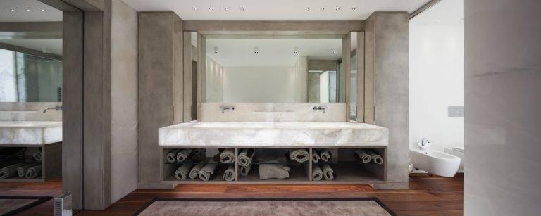 Quartzite Cristallo Backlit Bathroom 768x307, Primestones® Granite, Quartz, Marble