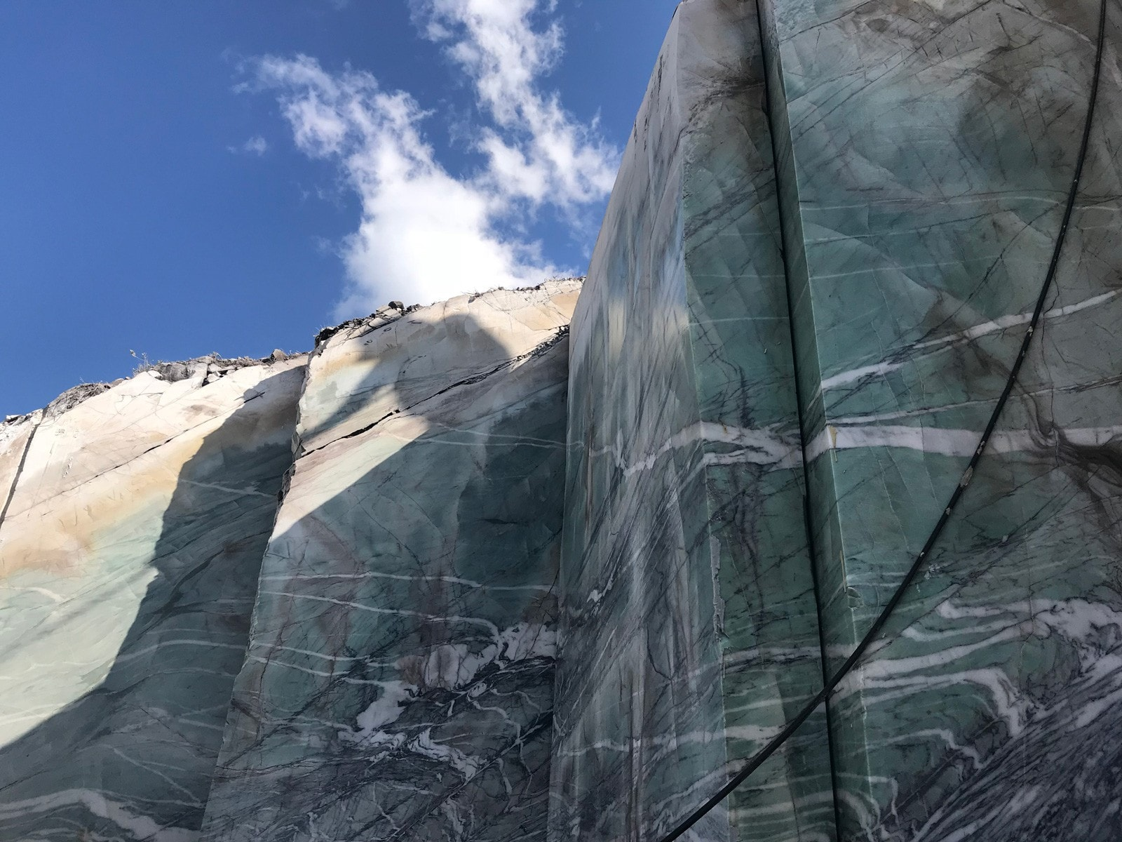 Quartzite Quarry Crystal Tiffany, Primestones® Granite, Quartz, Marble